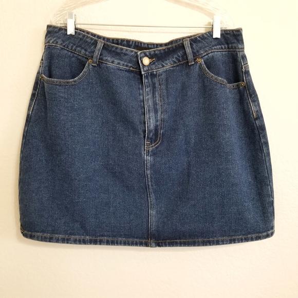 Forever 21 Dresses & Skirts - NWT Forever 21 Dark Wash Denim Mini Skirt 2X